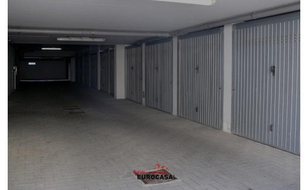 cosa-si-pu-mettere-e-tenere-in-un-box-auto-o-vietato-in-garage-condominiale